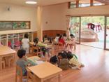 平成期 増築した南山ルンビニー保育園の園舎内の様子
